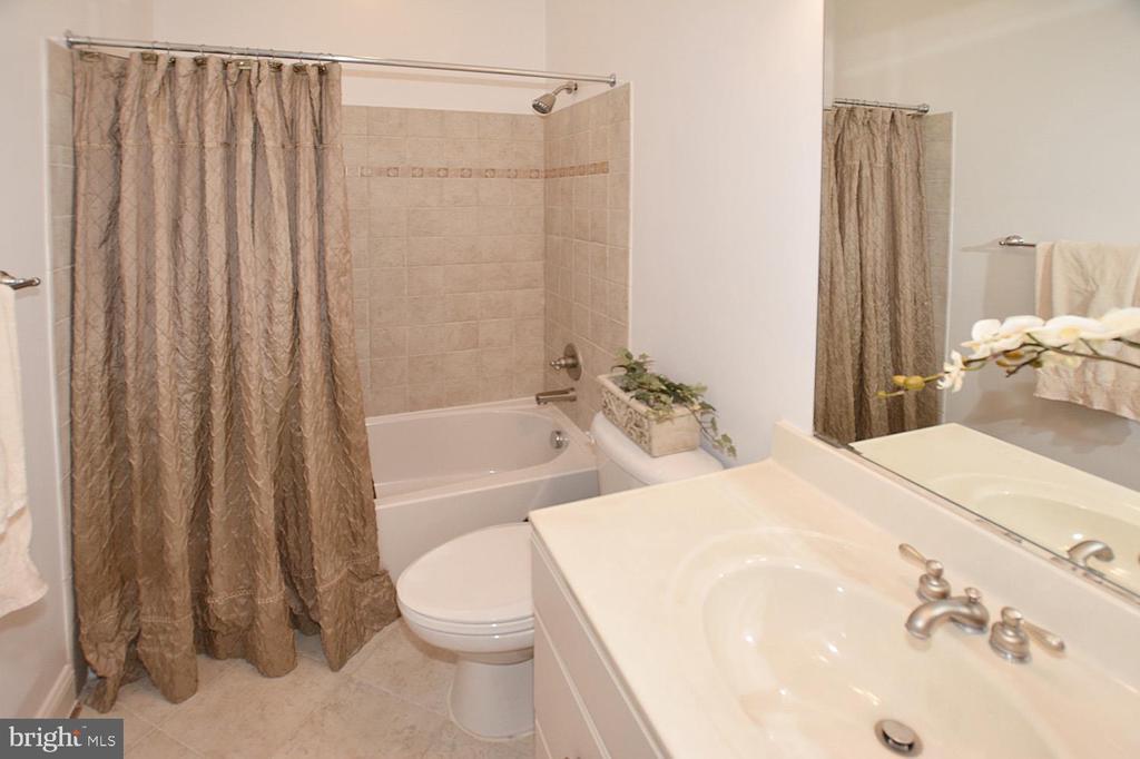 Full Bathroom in Lower Level  with Upgraded Tiles - 2976 TROUSSEAU LN, OAKTON
