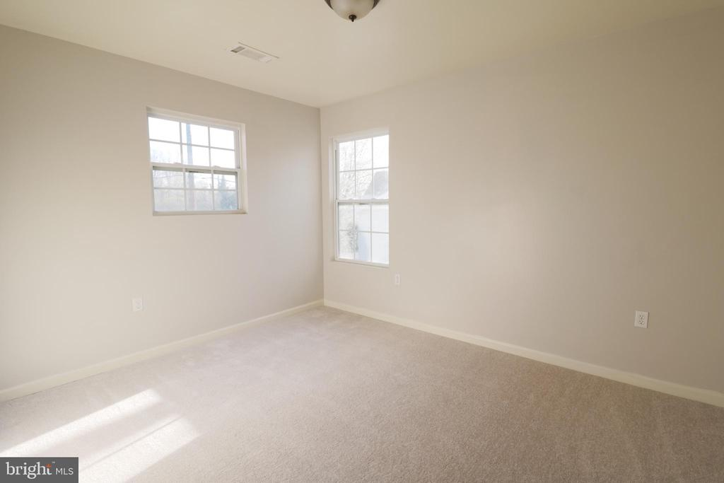 Bedroom 2 - 5717 KOLB ST, FAIRMOUNT HEIGHTS