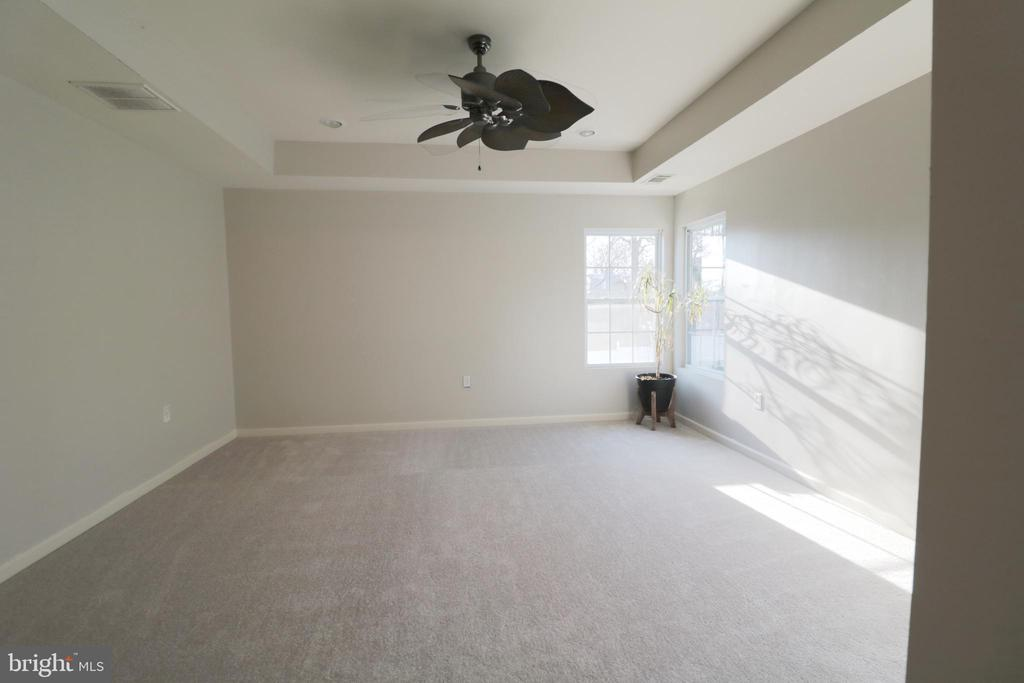 Master bedroom with coffered  ceiling - 5717 KOLB ST, FAIRMOUNT HEIGHTS