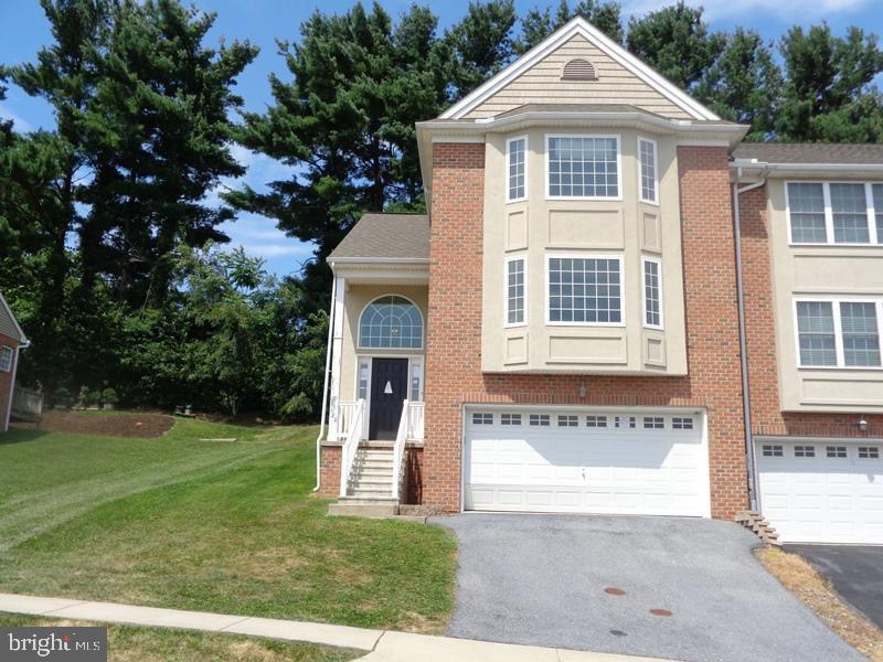 Single Family Homes για την Πώληση στο 420 HILLSIDE Drive Mountville, Πενσιλβανια 17554 Ηνωμένες Πολιτείες