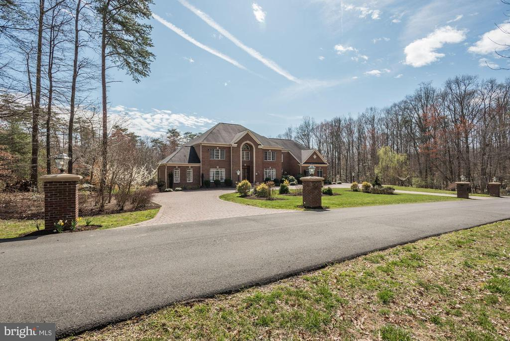 Estate Living  on 5+ Acres - 11408 WOLFS LNDG, FAIRFAX STATION