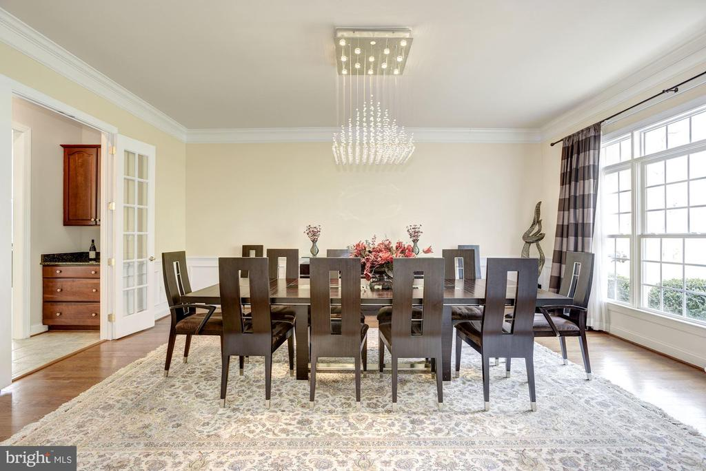 Large Formal Dining Room - 11408 WOLFS LNDG, FAIRFAX STATION