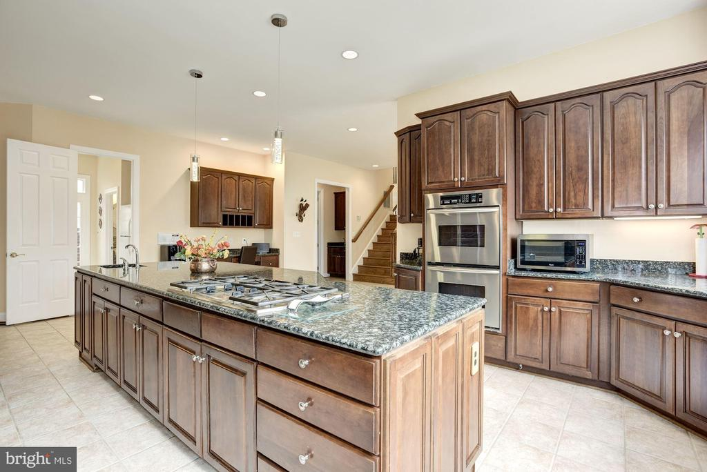 Granite Counters  | Kitchen -aid Appliances - 11408 WOLFS LNDG, FAIRFAX STATION