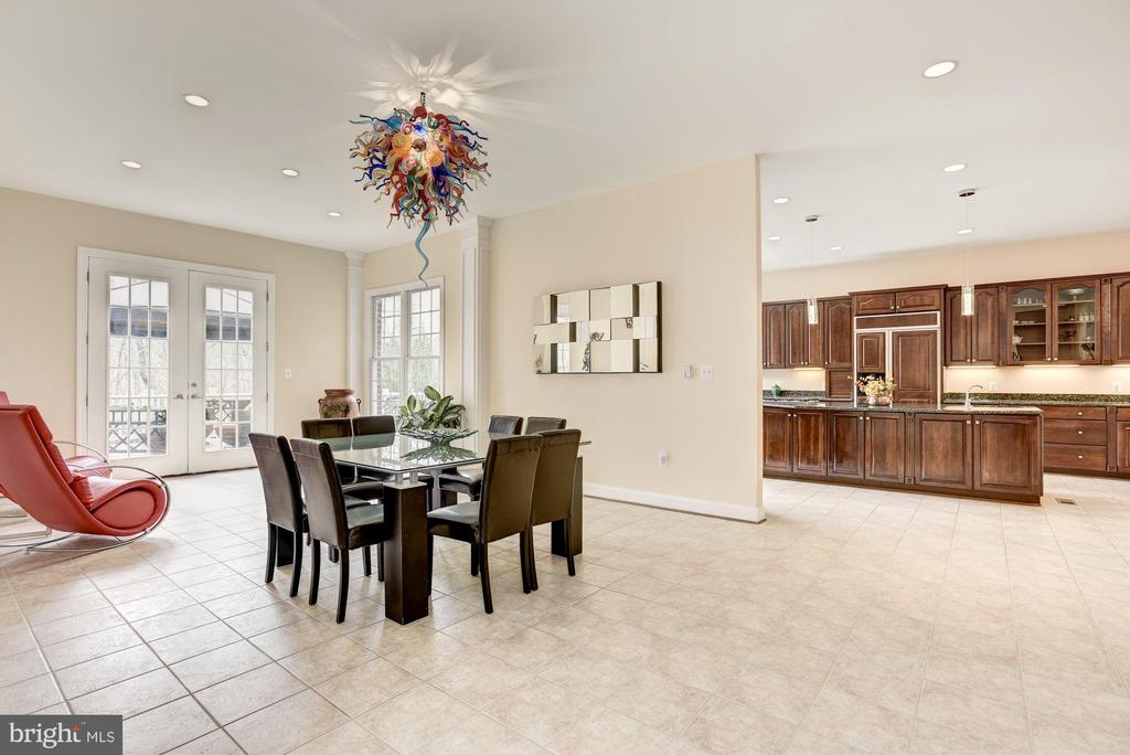 Great  Spaces for Entertaining - 11408 WOLFS LNDG, FAIRFAX STATION
