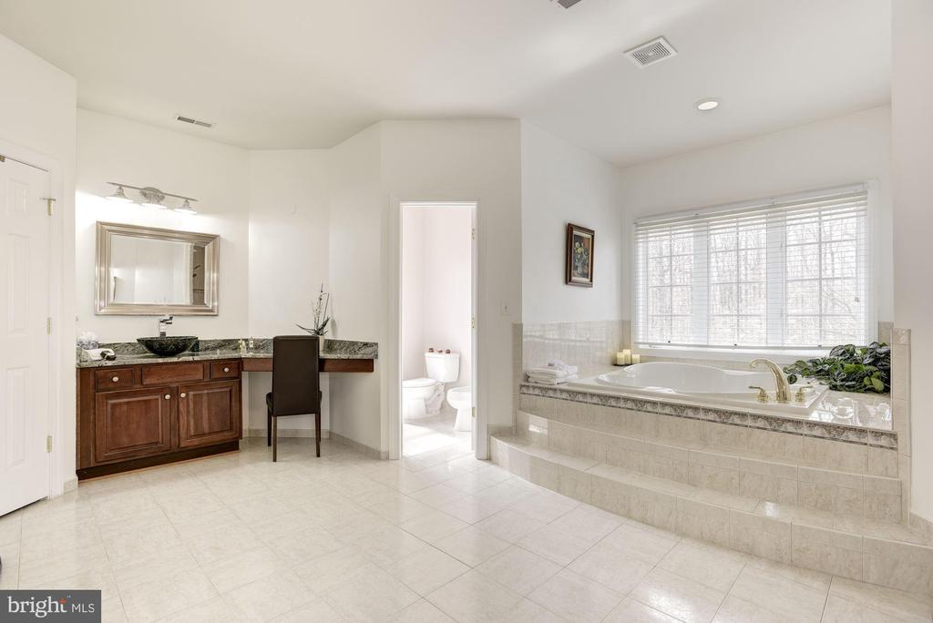 Luxury Bath  with Separate Vanities - 11408 WOLFS LNDG, FAIRFAX STATION