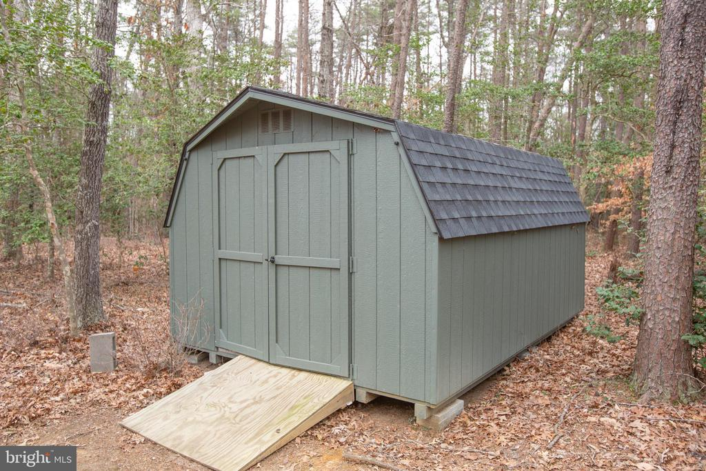 Shed for extra storage - 7911 MADISON PLANTATION WAY, FREDERICKSBURG