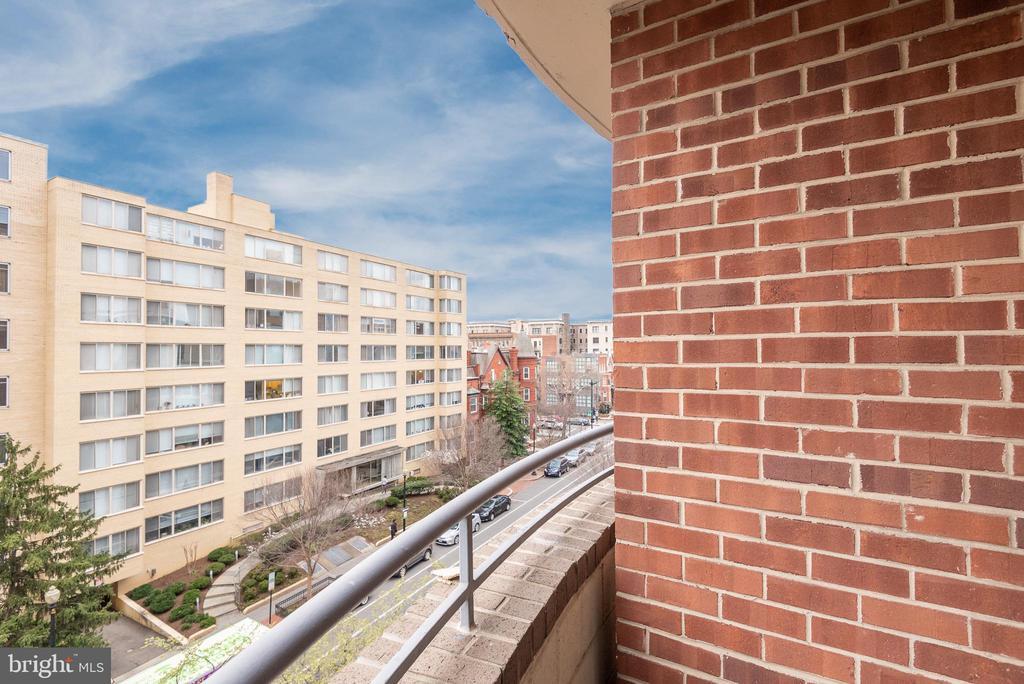 Views views view! - 1401 17TH ST NW #604, WASHINGTON