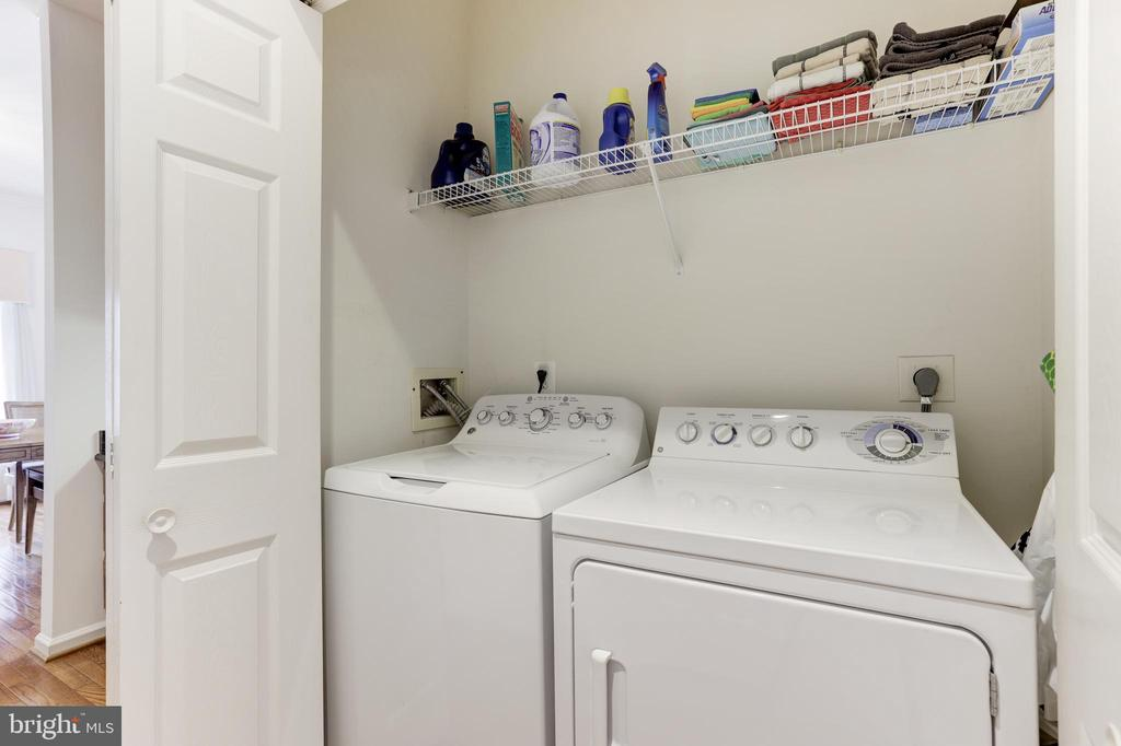 Laundry room - 45827 COLONNADE TER, STERLING