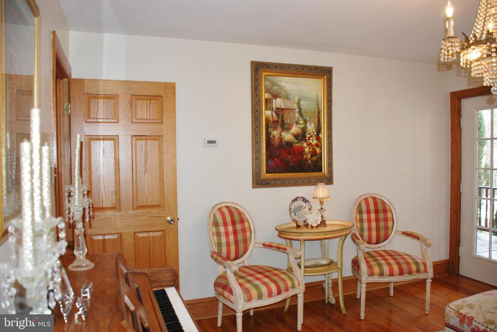 Office with door into the hallway area - 1318 LOCUST GROVE CHURCH RD, ORANGE