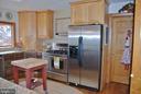Kitchen with appliances - 1318 LOCUST GROVE CHURCH RD, ORANGE