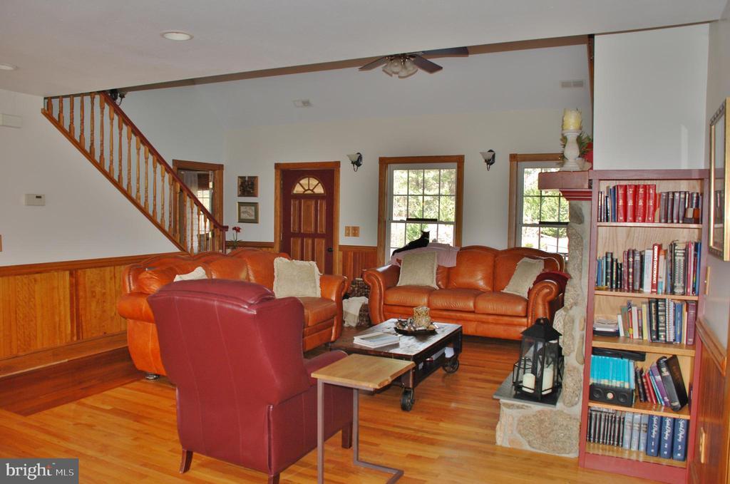 Living room - 1318 LOCUST GROVE CHURCH RD, ORANGE