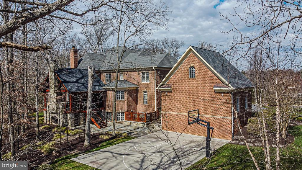 Elevated View of Exterior Rear - 2555 VALE RIDGE CT, OAKTON