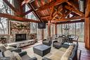 Jaw-dropping space expands living to the outside - 2555 VALE RIDGE CT, OAKTON
