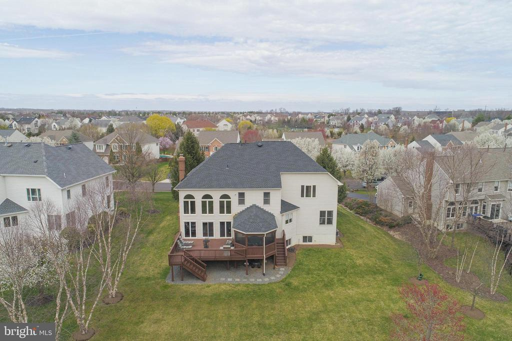 Aerial of Large Backyard - 21946 HYDE PARK DR, ASHBURN