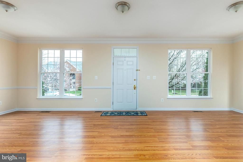 Great Room with New Flooring - 42571 PELICAN DR, CHANTILLY