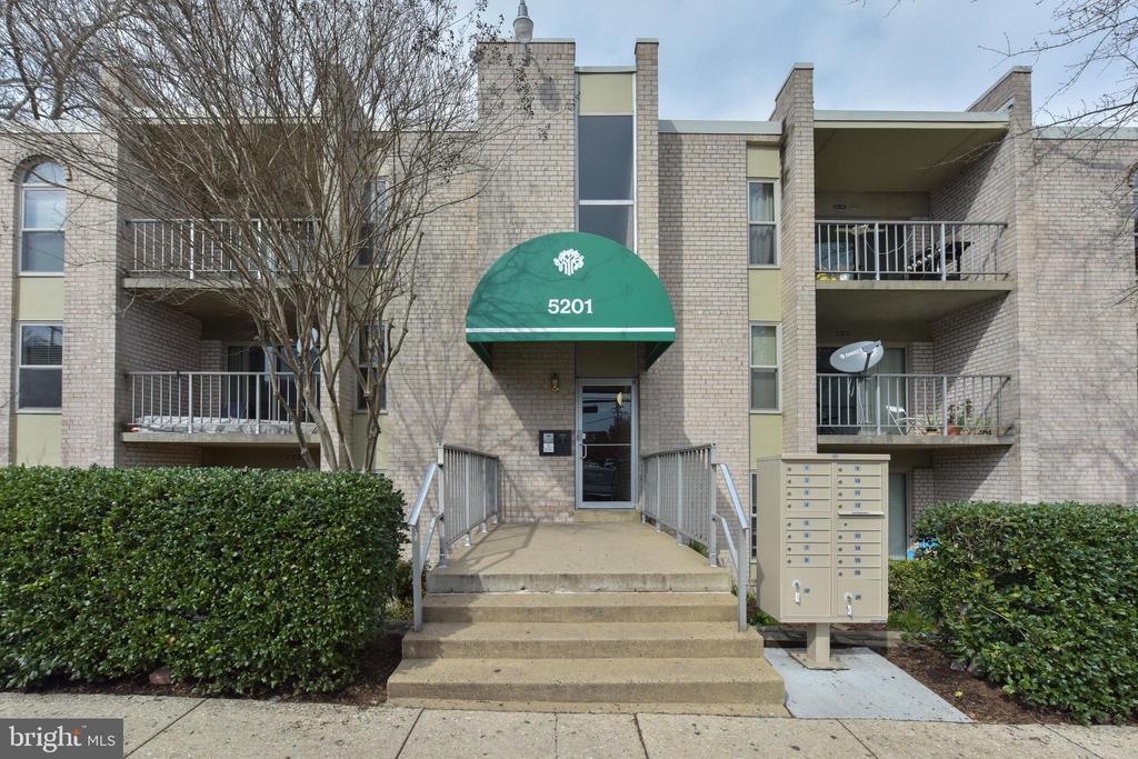 5201 Duke Street #303 - 5201 DUKE ST #303, ALEXANDRIA