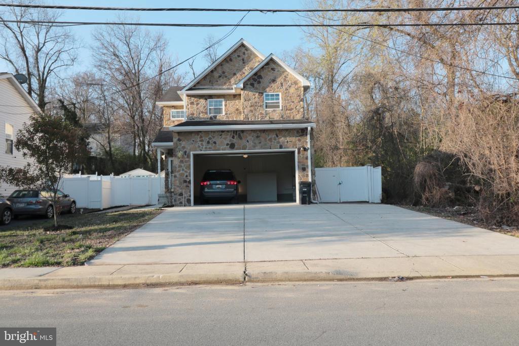 Open Garage - 5717 KOLB ST, FAIRMOUNT HEIGHTS