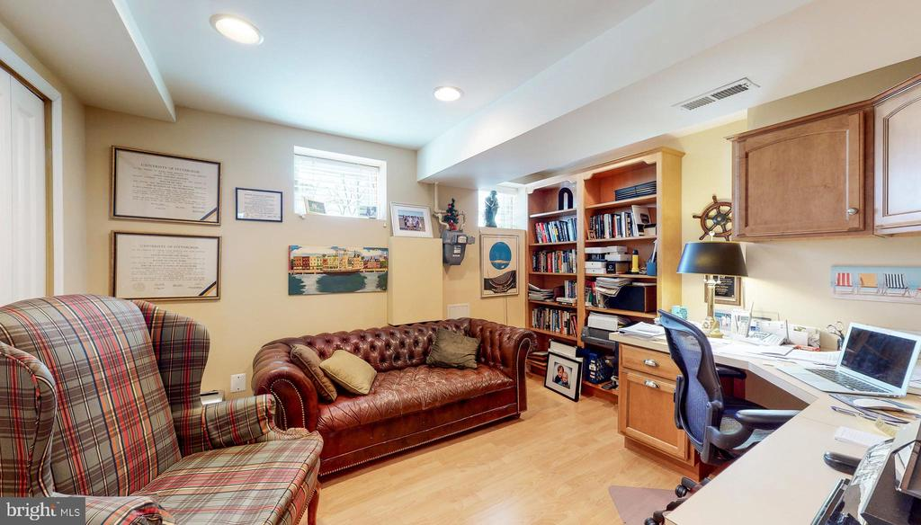Lower level bedroom (used as office) - 124 S PATTERSON PARK AVE, BALTIMORE