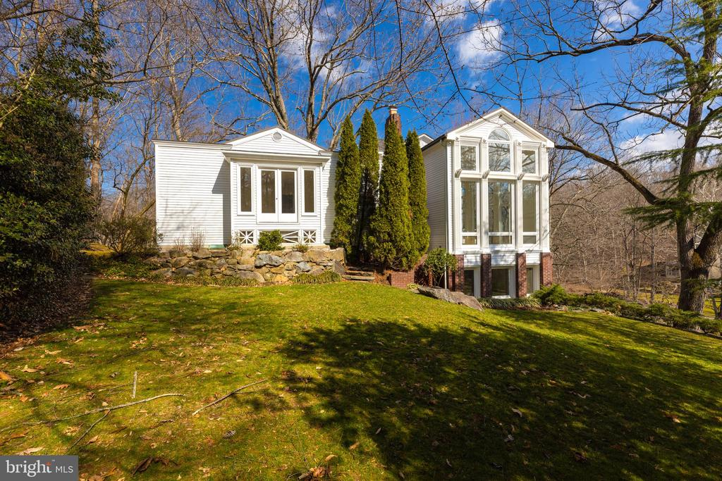 Exterior - 1371 KIRBY RD, MCLEAN