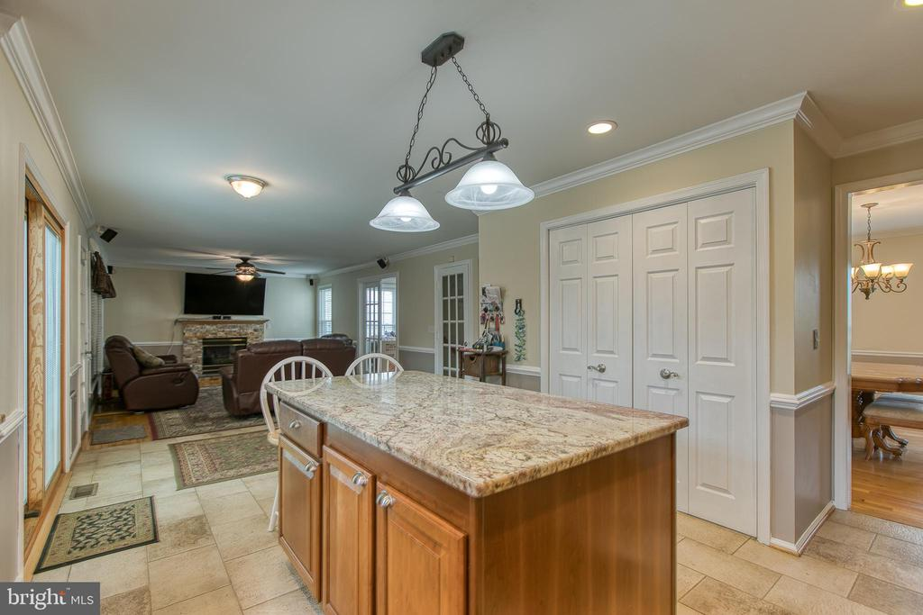 Kitchen, breakfast nook and family room. - 102 NORTHAMPTON BLVD, STAFFORD
