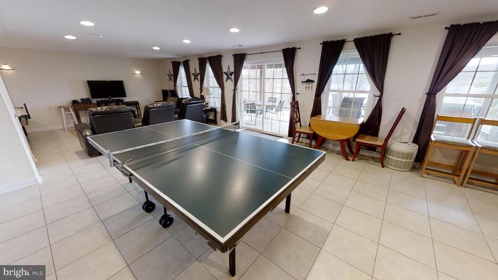 Plenty of room in the basement - 24186 LANDS END DR, ORANGE