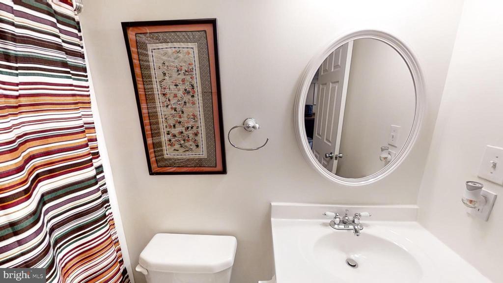 Basement bathroom - 24186 LANDS END DR, ORANGE
