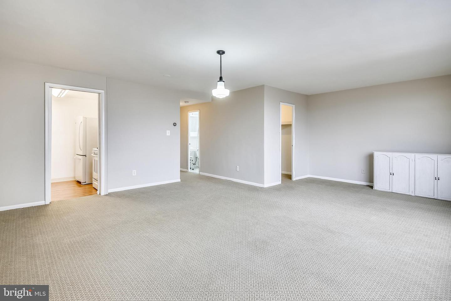 Additional photo for property listing at 4600 DUKE ST #714 Alexandria, Virginia 22304 Förenta staterna