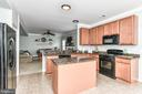 Spacious kitchen with island! - 25974 KIMBERLY ROSE DR, CHANTILLY