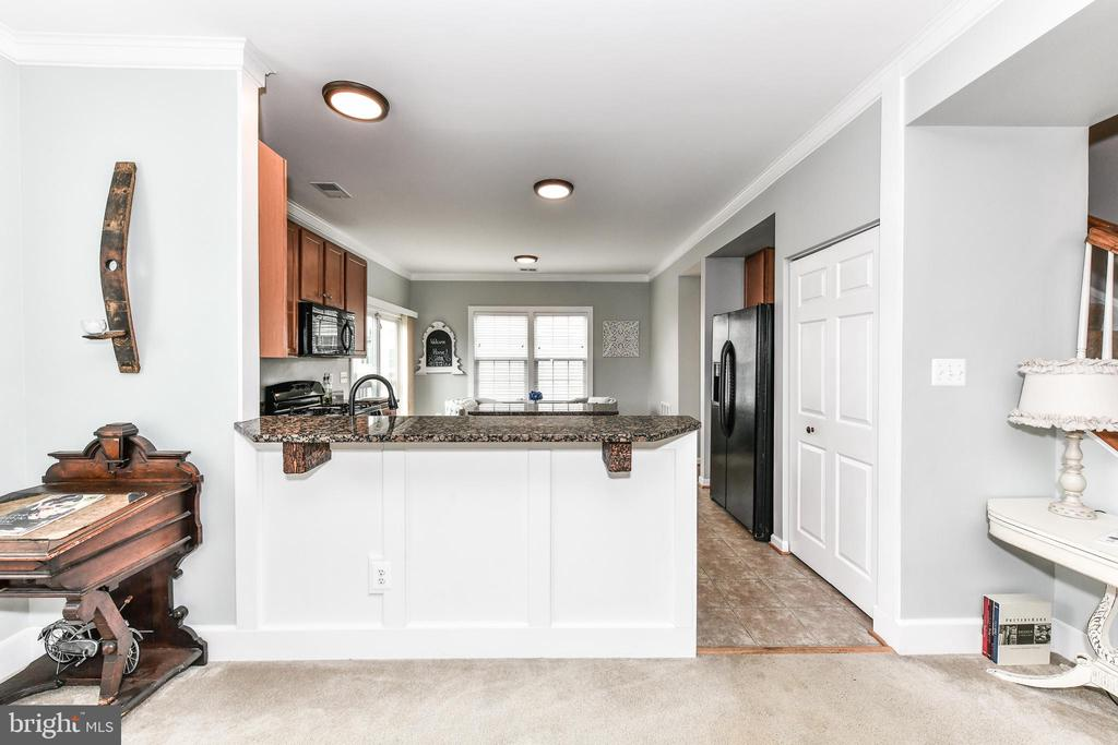 Additional molding throughout! - 25974 KIMBERLY ROSE DR, CHANTILLY