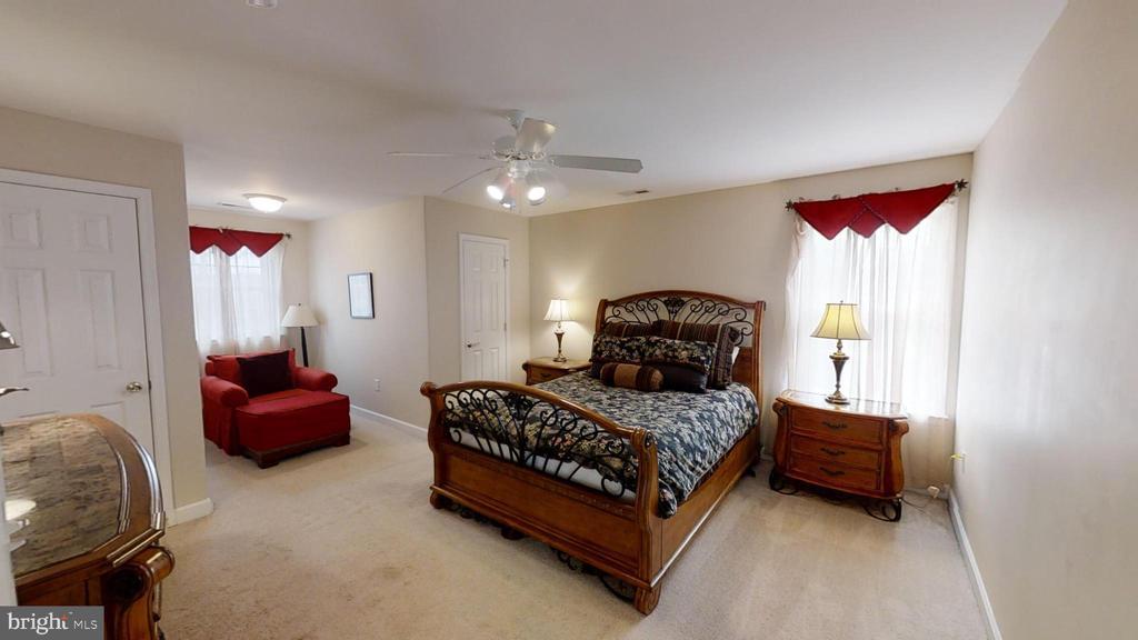Upstairs Bedroom - 24186 LANDS END DR, ORANGE