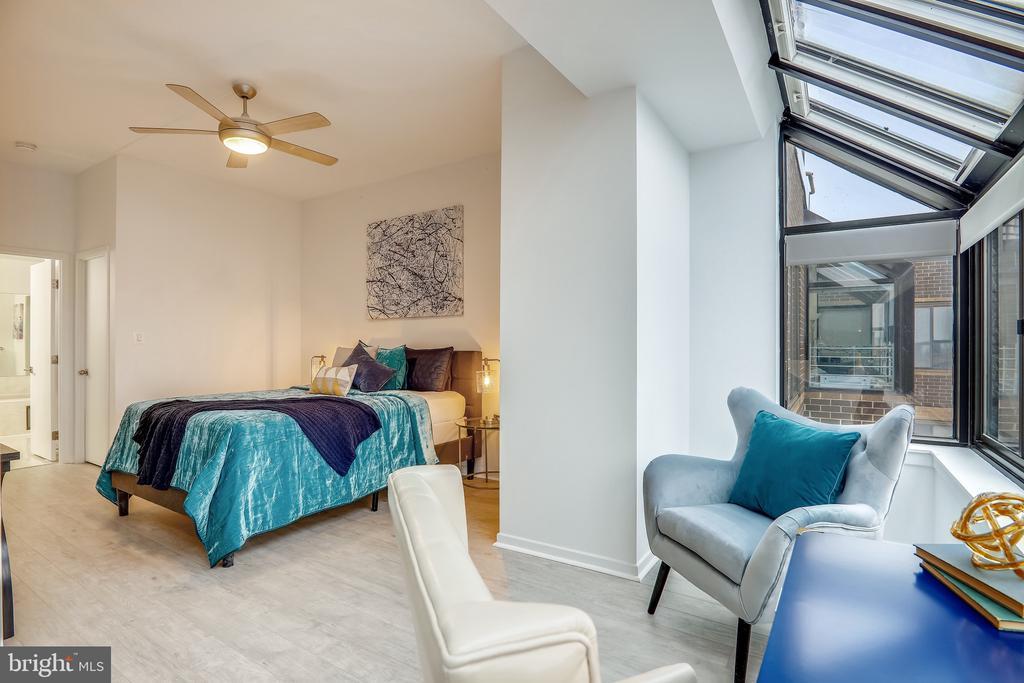 Large Open Master Bedroom - 2111 WISCONSIN AVE NW #PH7, WASHINGTON
