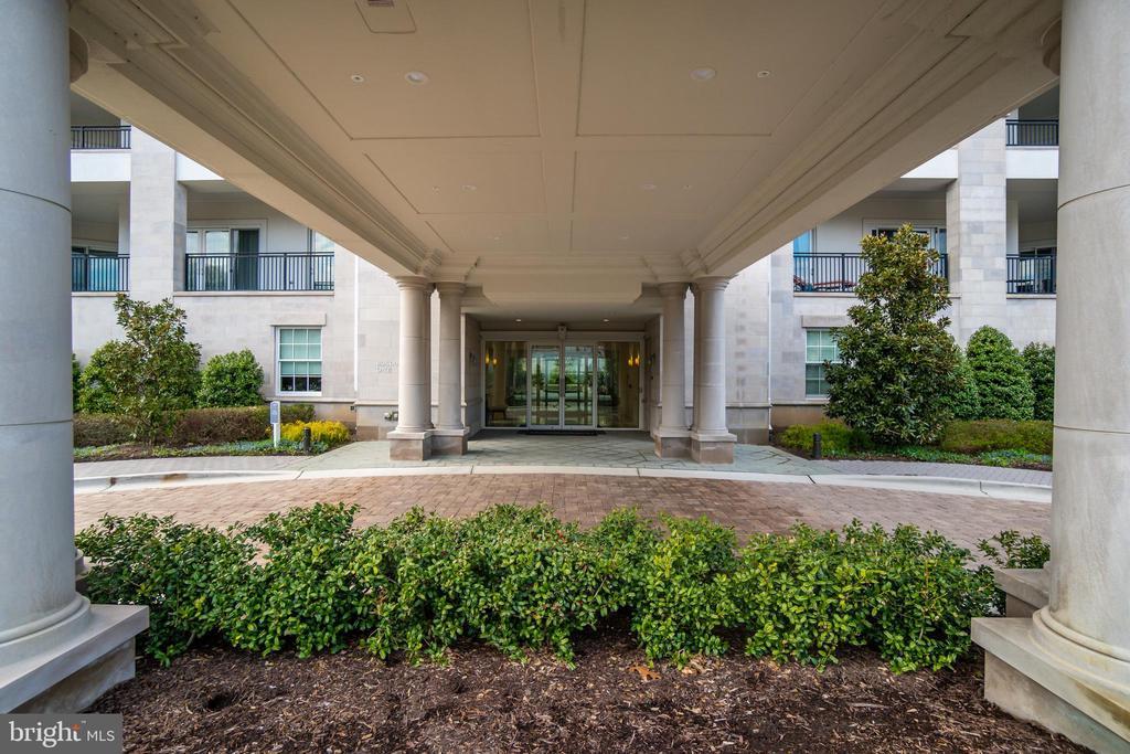 Building 8111 - 8111 RIVER RD #125, BETHESDA
