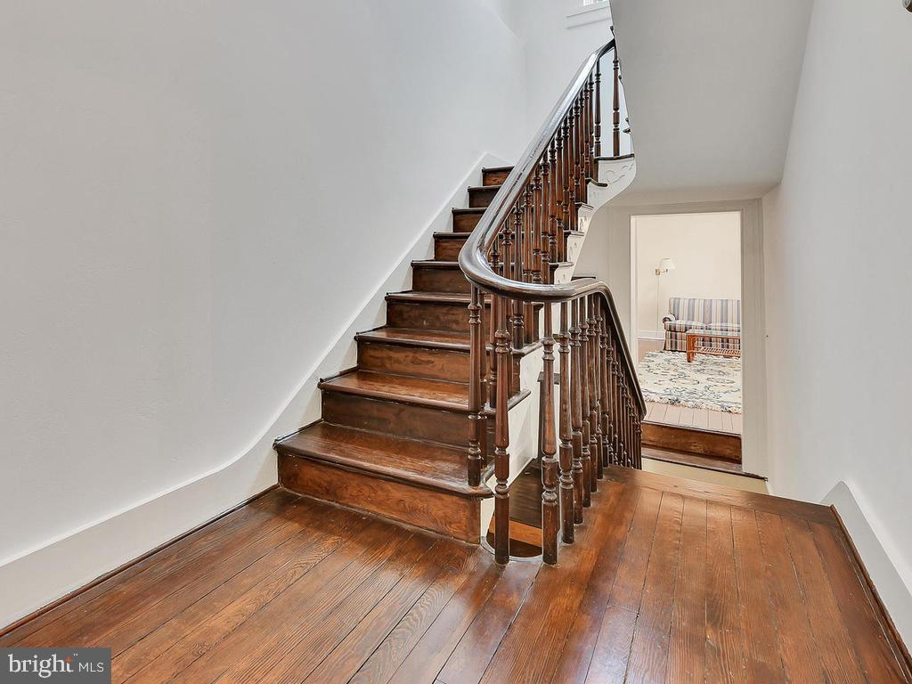 Original refinished handrails and new posts! - 121 W 2ND ST, FREDERICK