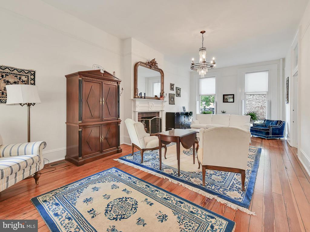 Move right in and do nothing! - 121 W 2ND ST, FREDERICK