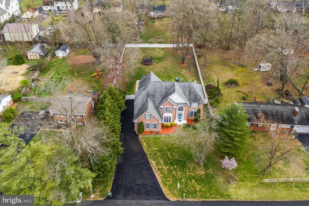 Come in for a landing with this spectacular deal! - 20226 BROAD RUN DR, STERLING