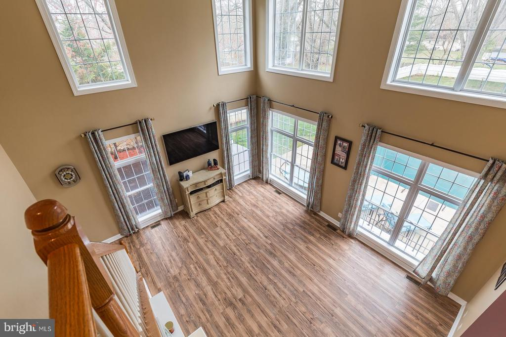 Two-story Family Room with ample natural light - 20226 BROAD RUN DR, STERLING