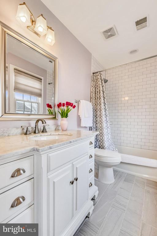 Renovated Bath #2 - 47774 BRAWNER PL, STERLING