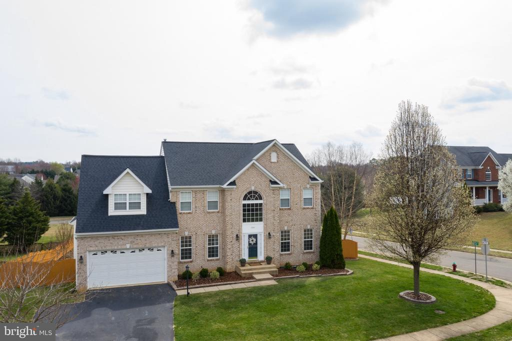 - 7306 IRON BIT DR, WARRENTON