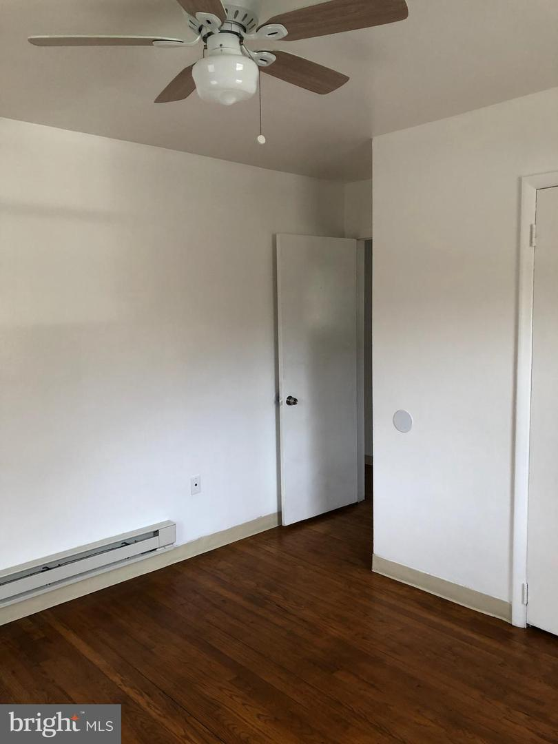 Additional photo for property listing at  Harrisburg, 펜실바니아 17111 미국