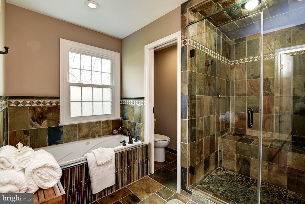 Spa-quality Master Bath Features Jacuzzi Tub - 8902 TRANSUE DR, BETHESDA
