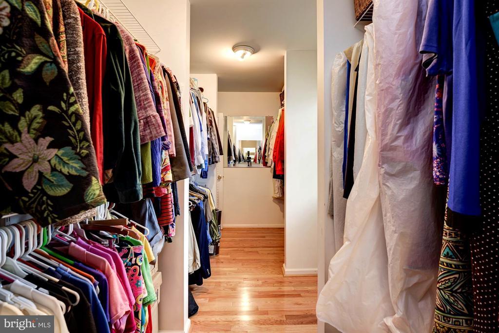 Spacious and Bright Master Walk-in Closet - 8902 TRANSUE DR, BETHESDA