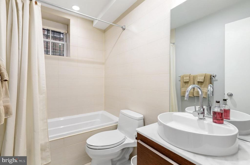 - 1459 HARVARD ST NW #1, WASHINGTON