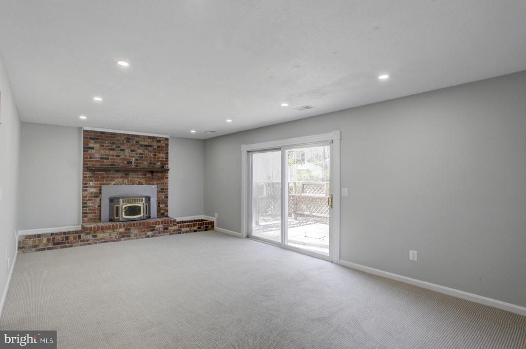 Deck off the Family Room with Brick Fireplace - 1430 AQUIA DR, STAFFORD