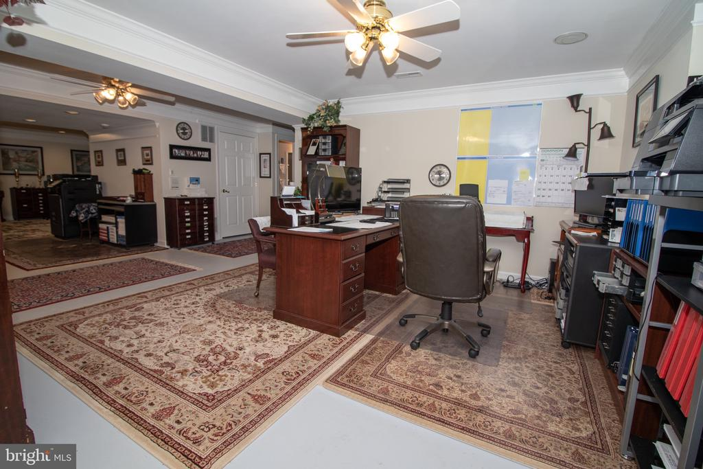 Lower Level Office - 25282 KENNEBEC DR, CHANTILLY