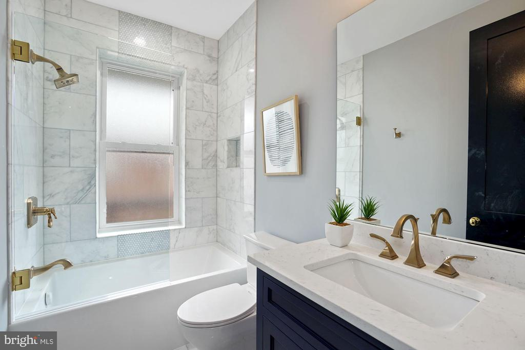 2nd Bathroom - 2217 FLAGLER PL NW, WASHINGTON