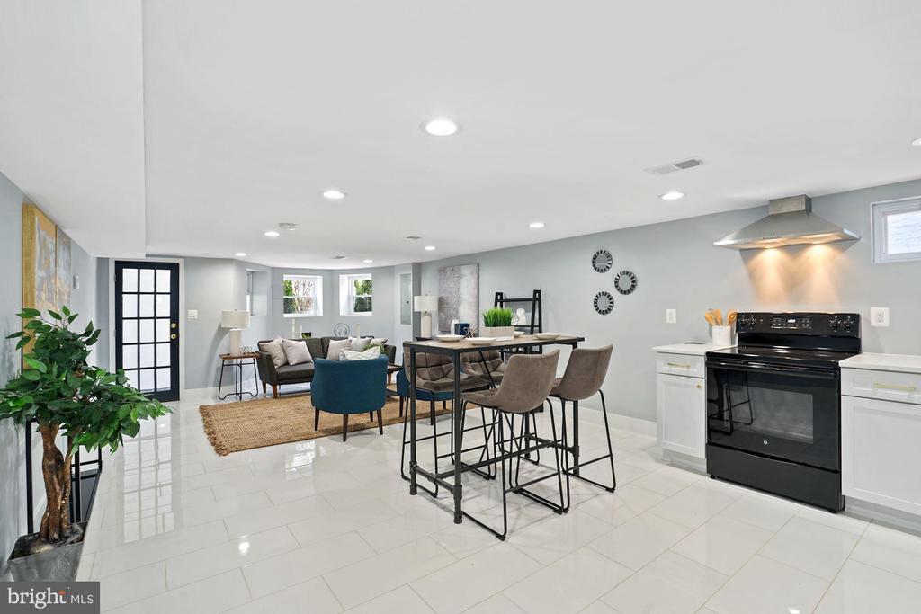 Open Floor Plan Apartment - 2217 FLAGLER PL NW, WASHINGTON