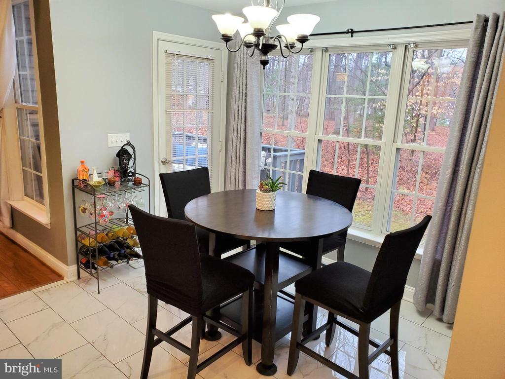 Sunny Breakfast Room w/Deck Access - 403 WESTOVER PKWY, LOCUST GROVE