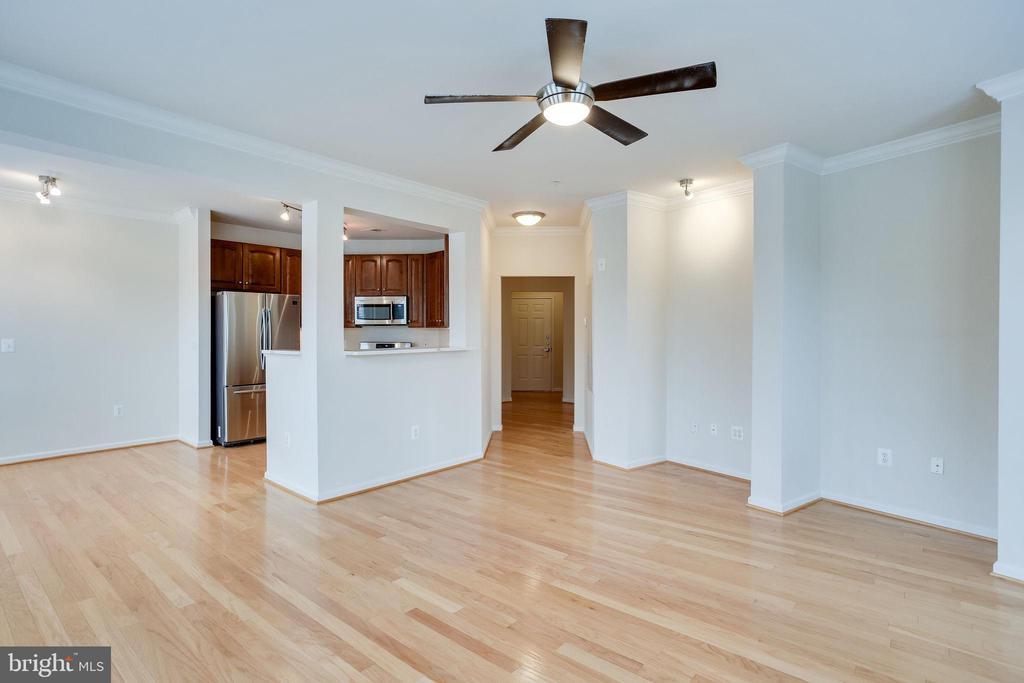 Open Kitchen, Living & Dining Rooms - 12001 MARKET ST #150, RESTON