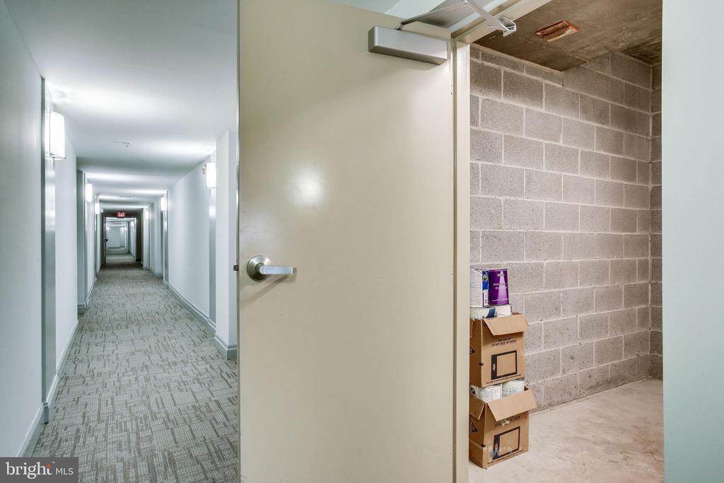 UNIQUE Seller-Owned LARGE Storage Unit - 12001 MARKET ST #150, RESTON