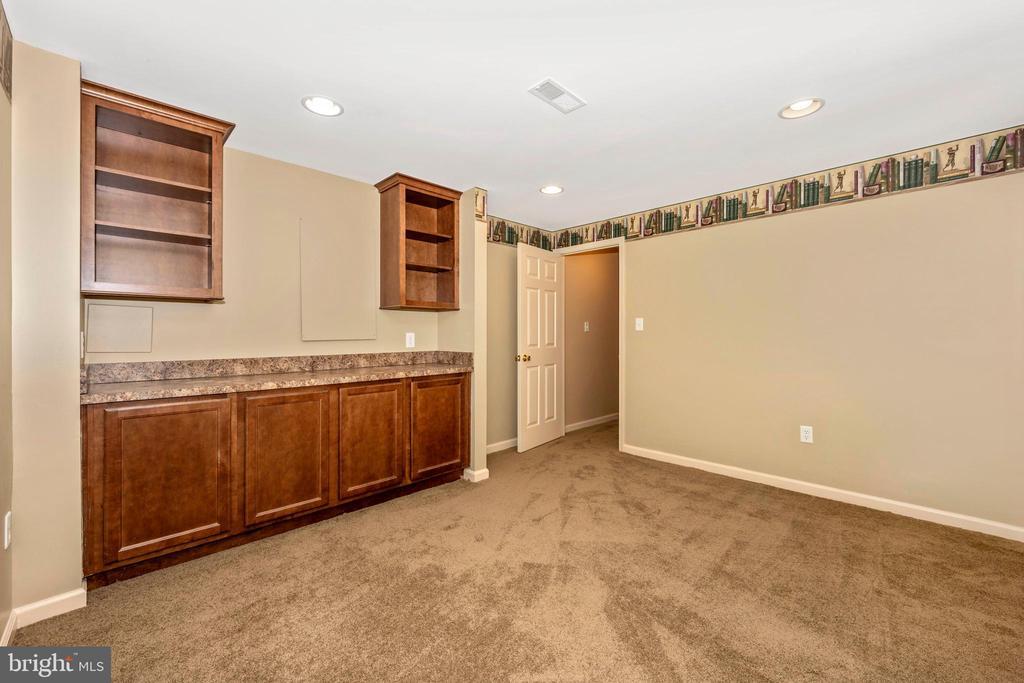 Lower level office or potential bedroom - 2505 UNDERWOOD LN, ADAMSTOWN